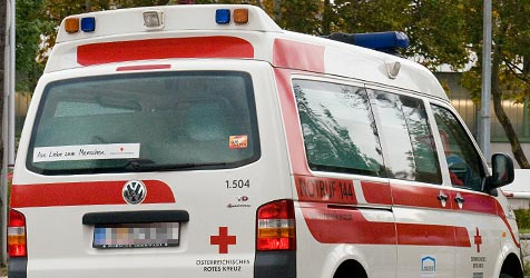 Rettung war in der Silvesternacht im Dauereinsatz (Bild: Andreas Graf)