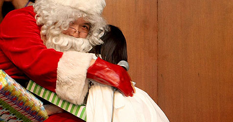 Auf Wunschzettel der Santas steht die Grippespritze