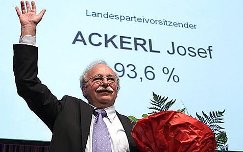Ackerl neuer SPÖ-Landesparteichef (Bild: APA/RUBRA)