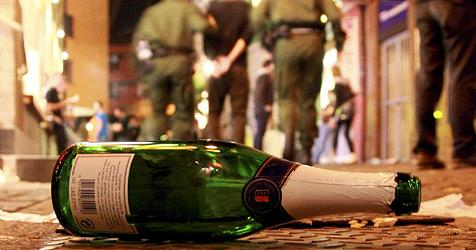 Betrunkener nach Angriff auf Polizei festgenommen (Bild: dpa/A3446 Patrick Seeger)
