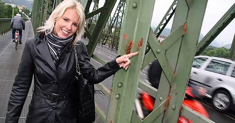 Sperre der Eisenbahnbrücke droht schon 2011 (Bild: Markus Wenzel)