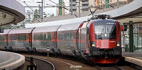 Alkoholisierte (37) zieht in ÖBB-Railjet vier Mal Notbremse