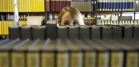 Jus-Bibliothek mit 150.000 Bänden eröffnet