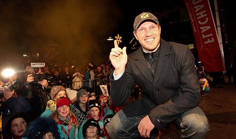 Hermann Maier feiert in Flachau mit 4.500 Gästen (Bild: APA/FRANZ NEUMAYR)