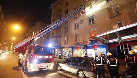 24 Hausbewohner in Salzburg-Lehen evakuiert (Bild: Markus Tschepp)
