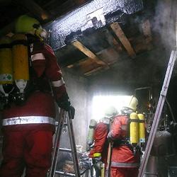 Schnapsbrennerei bei Saalfelden abgebrannt (Bild: FF Saalfelden)