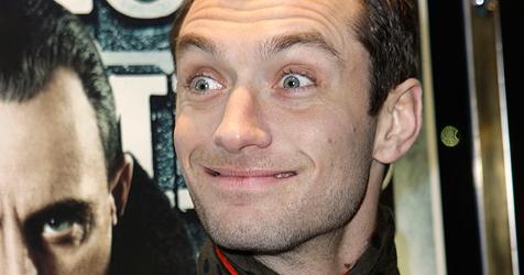 Jude Law macht sich über Liebes-Gerüchte lustig