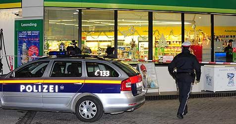 Räuber entkommt nach Tankstellen-Überfall (Bild: Foto Kerschi)