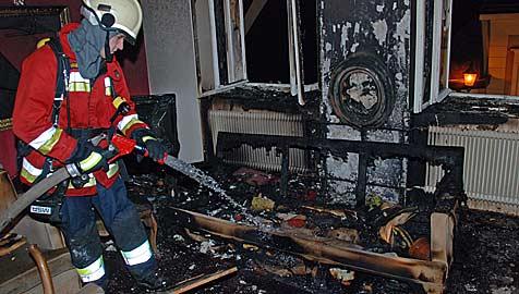 Zimmerbrand bei Weihnachtsfeier (Bild: Fotos: Herbert Wimmer)