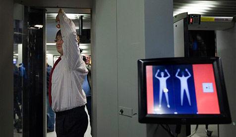 Körperscanner am Flughafen getestet: Totale Pleite!