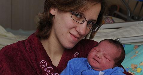 Das Landes-Silvesterbaby kommt aus Steyr (Bild: Markovsky)