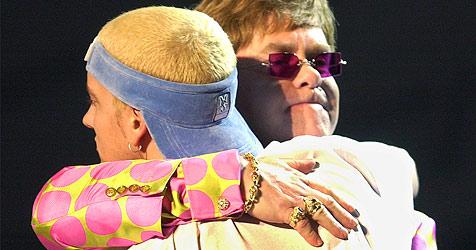 Elton John hilft Eminem im Kampf gegen Drogensucht