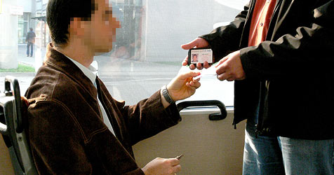 Albus-Kontrolleure rufen wegen einem Euro die Polizei (Bild: Linz AG)