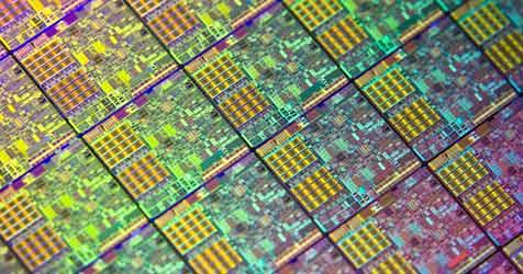 Chip der Zukunft speichert und verarbeitet Daten