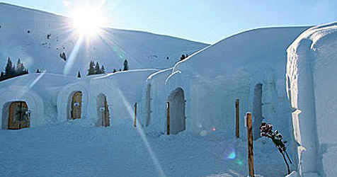 Urlauben in einem Iglu-Dorf (Bild: ALPENIGLU® Dorf)