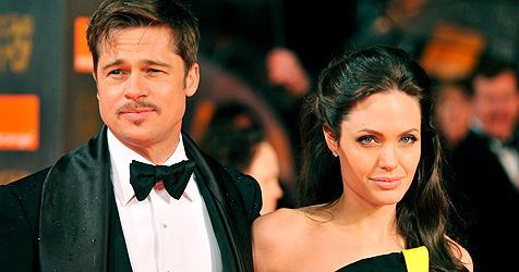 Angelina Jolie, Brad Pitt  und Wyclef Jean helfen Bebenopfern