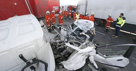 20-jährige Walserin bei Unfall getötet - Freund Ohrenzeuge (Bild: Markus Tschepp)