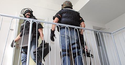 Bosnier flieht aus Nervenklinik und bedroht Polizisten (Bild: Martin Jöchl)
