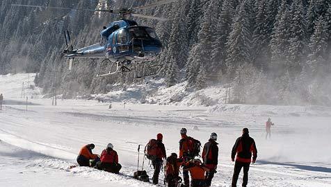 Knaus-Helikopter für den Ernstfall einsatzbereit (Bild: Konrad Rauscher)