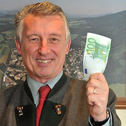 Ortschef hilft bei Falschgeld-Panne mit Hunderter aus (Bild: Wolfgang Weber)