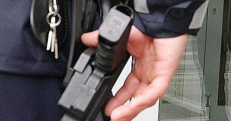 Polizist feuert bei Verfolgung vier Schüsse auf Auto ab (Bild: APA/Markus Leodolter)