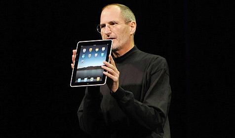 Steve Jobs sitzt auf Apples Geld und zahlt nichts aus (Bild: EPA)