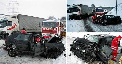 Zwei 17-Jährige bei Unfall im Bezirk Korneuburg verletzt (Bild: FF Sierndorf)