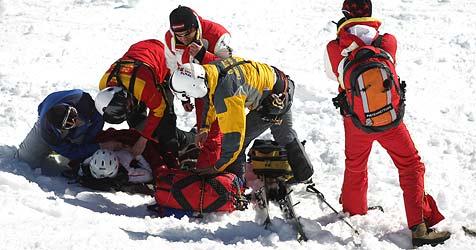 48-jährige Finnin nach Skiunfall am Kopf operiert (Bild: APA/GEORG HOCHMUTH)