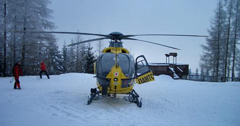Frau  nach Skiunfall per Helikopter gerettet (Bild: ÖAMTC)