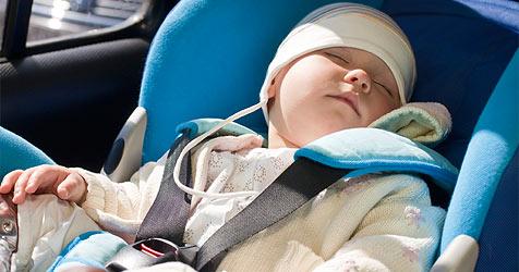 So klappt die Autofahrt mit Baby (Bild: © 2010 Photos.com, a division of Getty Images)