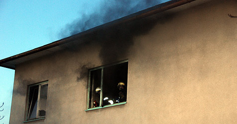 Mann setzt bei Bastelarbeiten Zimmer in Brand (Bild: Herbert Wimmer / BFK Mödling)