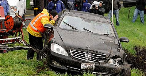 Charlie Sheen: Diebe fahren sein Auto in Graben