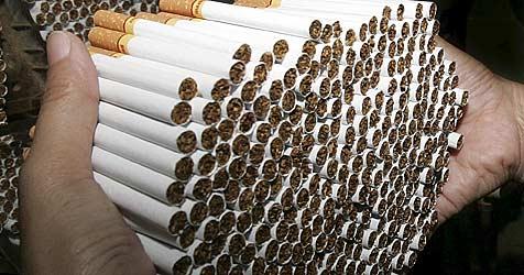 Illegaler Zigarettenhandel - Mann verurteilt (Bild: dpa/dpaweb/EPA FILES/A2800 epa Barbara Walton)