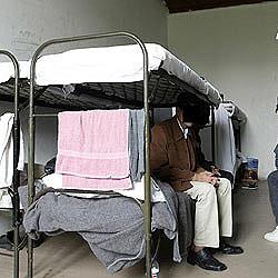 SPÖ wirft Innenministerin Asyl-Pakt vor (Bild: APA / Harald Schneider)