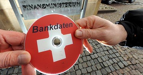 Nordrhein-Westfalen kaufte Steuers�nder-CD (Bild: dpa/Bernd Weissbrod)