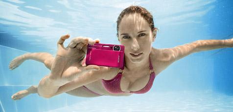 Sonys neue TX5 ist mit allen Wassern gewaschen (Bild: Sony)