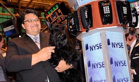 Preisgekrönter Hund eröffnet Wall-Street-Handel (Bild: EPA)