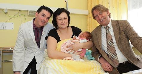 Kinderärzte aus Schwarzach helfen im Krankenhaus Zell (Bild: Niki Faistauer)