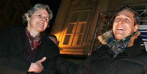 Strache schickt Rosenkranz ins Rennen um Hofburg (Bild: APA/Helmut Fohringer)