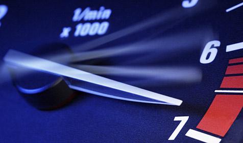 65 km/h zu schnell: Autolenker auf der A10 gestoppt (Bild: © 2010 Photos.com, a division of Getty Images)