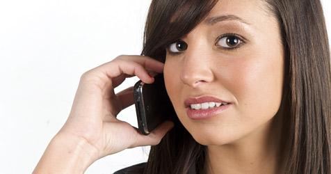 Ungenierte Handy-Telefonierer nerven Österreicher (Bild: © 2010 Photos.com, a division of Getty Images)