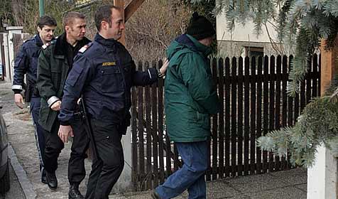 62-Jähriger beharrt auf Notwehr bei Schuss auf Sohn (Bild: Andi Schiel)