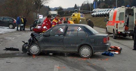 Zwei junge Lenker bei Unfall in Krumbach verletzt (Bild: ÖAMTC)