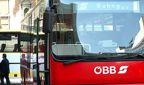 """Busfahrer haben """"Angst"""" vor Schülern der HTL Mödling (Bild: APA/HARALD SCHNEIDER)"""