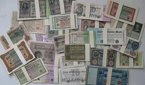 Polizist findet 665 Mio. Reichsmark im Straßengraben (Bild: Polizei)