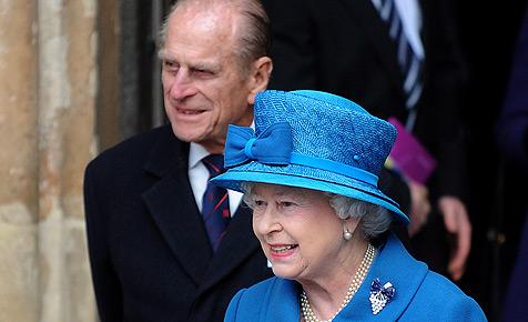 Prinz Philip nach Schmerzen in Brust am Herzen operiert