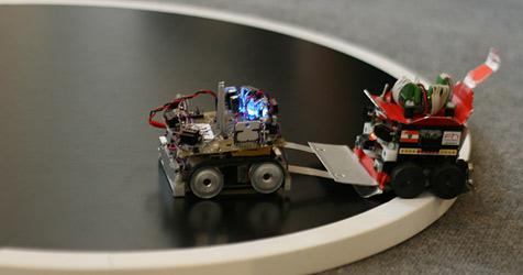 """Sissi gegen Rambot: 8. """"RobotChallenge"""" in Wien (Bild: INNOC)"""