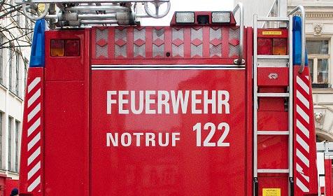 Lkw verliert 100 Liter Treibstoff in Braunau (Bild: Andreas Graf)