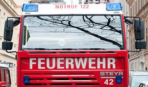 Wohnungsbrand in Salzburg: Polizisten bei Rettung verletzt (Bild: Andreas Graf)