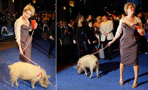 Emma Thompson geht mit Schwein zur Filmpremiere
